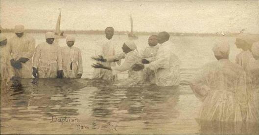 River_baptism_in_New_Bern