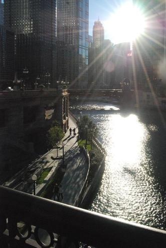 the-chicago-river-in-fall-with-sunshine-jennifer-holcombe